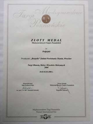 zloty-medal-za-podpietki-320